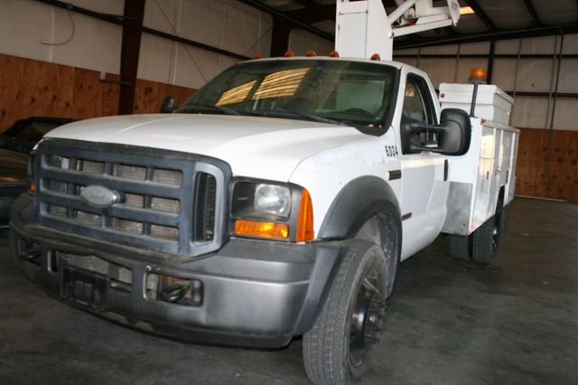 2006 Ford Super Duty F-550 DRW XLT Bucket Boom Houston, Texas 26