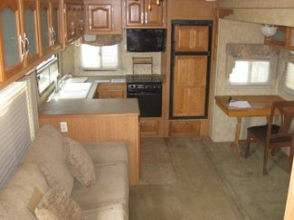 2006 Forest River Cardinal 29RK REDUCED! Odessa, Texas 13