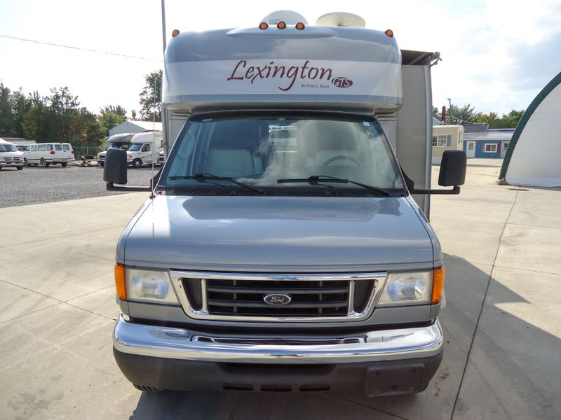 2006 Forest River Lexington 255  in Sherwood, Ohio