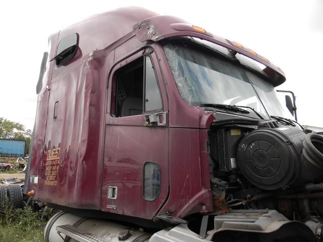 2006 Freightliner Columbia 120 in Ravenna, MI 49451