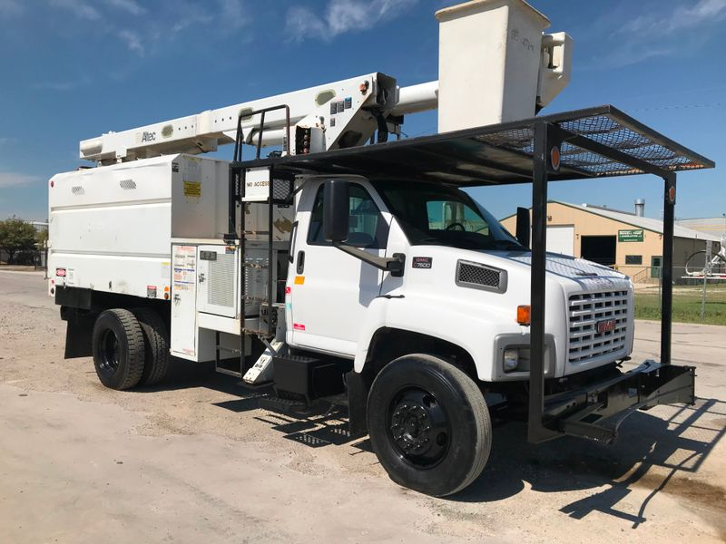 2006 GMC 7500 FORESTRY BUCKET TRUCK   city TX  North Texas Equipment  in Fort Worth, TX