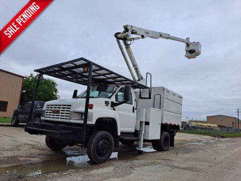 2006 GMC C5500 42' ALTEC 4X4 MINI FORESTRY / ARTICULATING  & TELESCOPIC BUCKET TRUCK in Fort Worth, TX