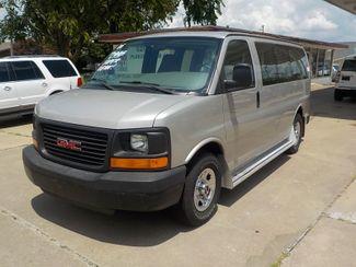 2006 GMC Savana Passenger Fayetteville , Arkansas 1