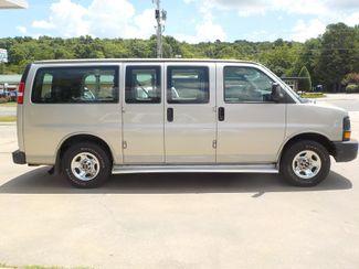 2006 GMC Savana Passenger Fayetteville , Arkansas 3