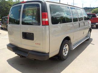 2006 GMC Savana Passenger Fayetteville , Arkansas 4