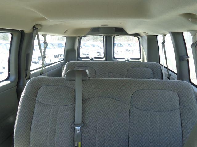 2006 GMC Savana Passenger Hoosick Falls, New York 4