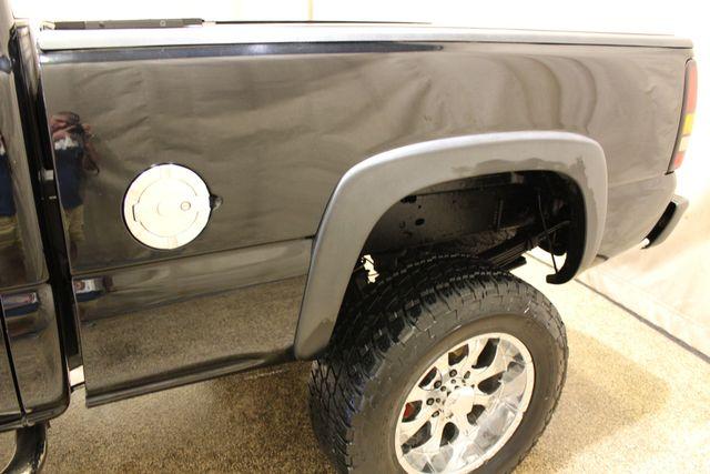 2006 GMC Sierra 2500HD Diesel 4x4 SLT in Roscoe IL, 61073