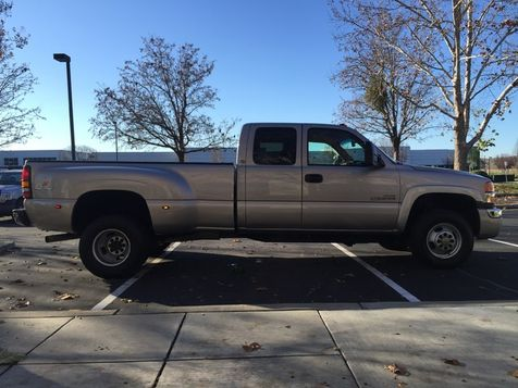 Sierra 3500 4x4 Duramax Diesel GMC 2006 SLE2 Dually 6 Speed Allison Low Miles  in Livermore, California
