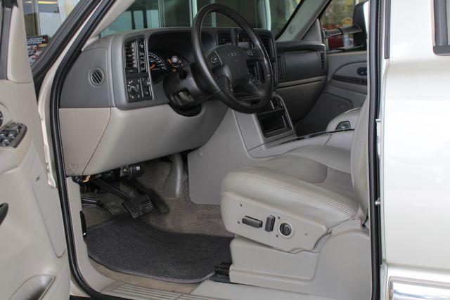 2006 GMC Yukon XL 2500 SLT 4x4 - NAV - REAR DVD - SUNROOF - 8.1L V8! Mooresville , NC 30
