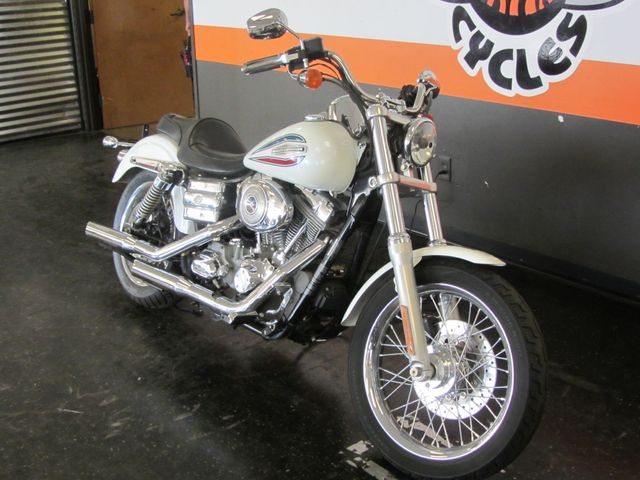 2006 Harley-Davidson Dyna Glide 35th Anniversary Super Glide® Arlington, Texas 3