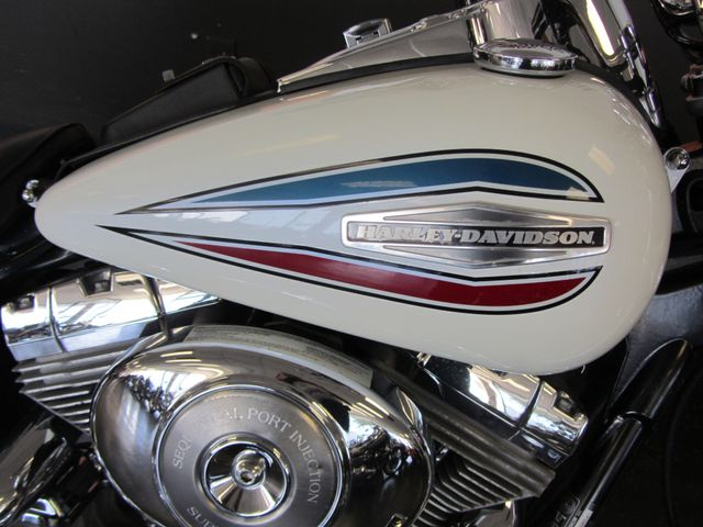 2006 Harley-Davidson Dyna Glide 35th Anniversary Super Glide® Arlington, Texas 5