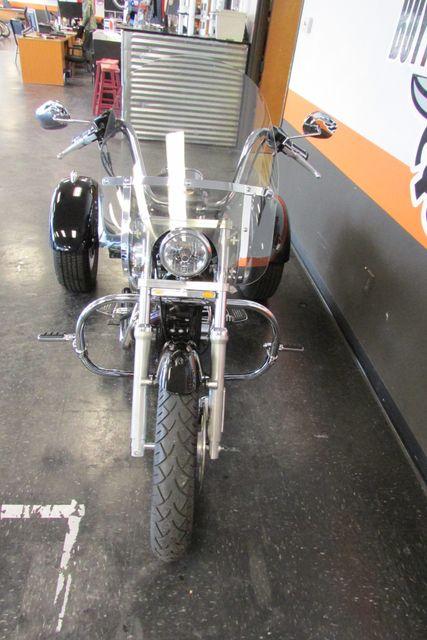 2006 Harley-Davidson Sportster® 1200 Custom Arlington, Texas 4