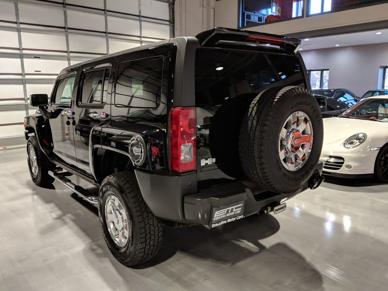 2006 Hummer H3   Lake Forest IL  Executive Motor Carz  in Lake Forest, IL