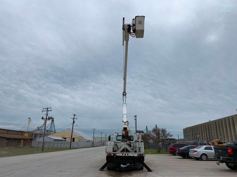2006 International 4300 BUCKET TRUCK   city TX  North Texas Equipment  in Fort Worth, TX