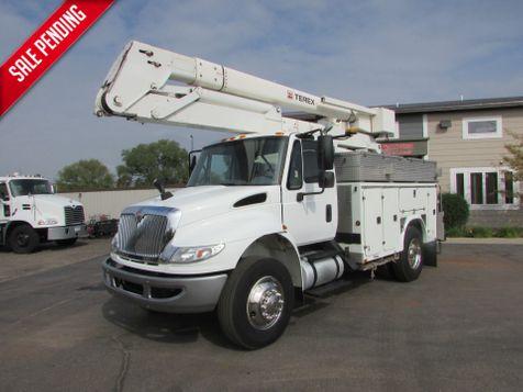 2006 International 4400 Bucket Truck 51' Working Platform Height  in St Cloud, MN
