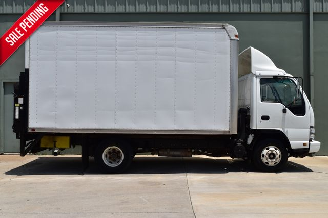 2006 Isuzu NPR DSL REG Box Truck | Arlington, TX | Lone Star Auto Brokers, LLC-[ 4 ]