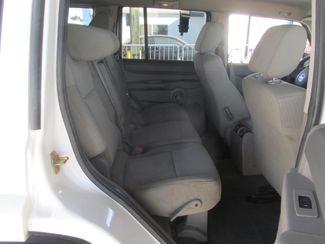 2006 Jeep Commander Gardena, California 13