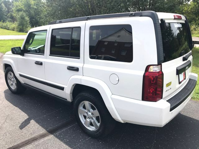 2006 Jeep-2 Owner! 3rd Row! Commander-4X4! BUY HERE PAY HERE! Base-CARMARTSOUTH.COM Knoxville, Tennessee 5