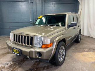2006 Jeep Commander 4d SUV 4WD (V8) in Merrillville, IN 46410