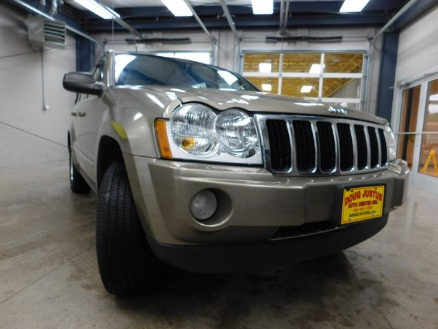 2006 Jeep Grand Cherokee Limited in Airport Motor Mile ( Metro Knoxville ), TN 37777