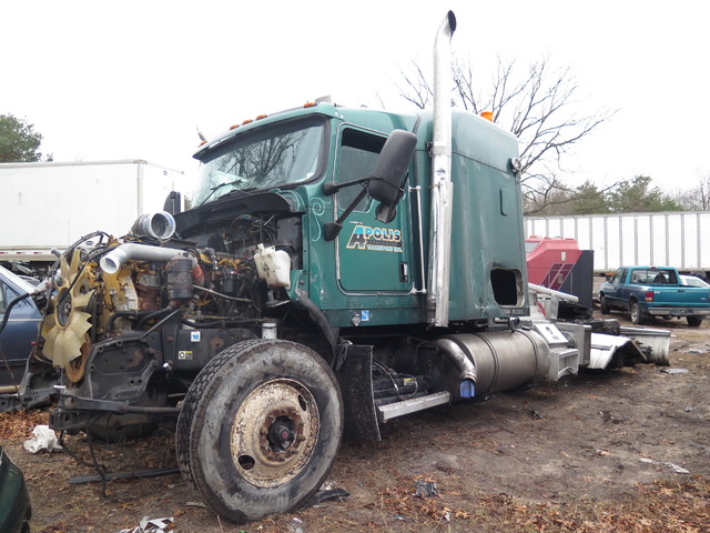 2006 Kenworth T800 in Ravenna, MI 49451