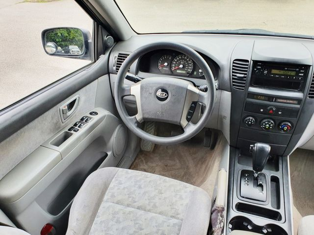 """2006 Kia Sorento LX Sport 4WD w/16"""" Aluminum Wheels in Louisville, TN 37777"""