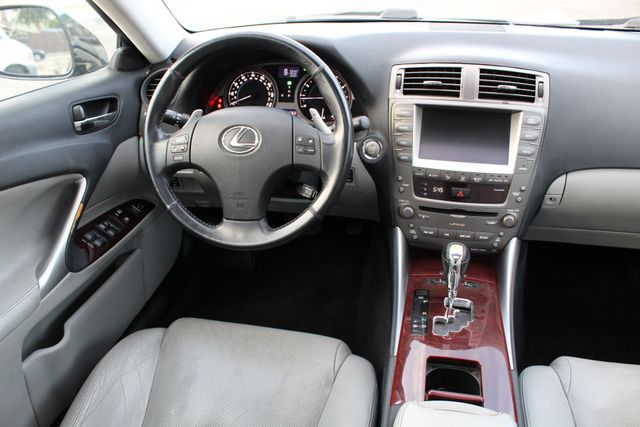 2006 Lexus IS 350 SPORTS PKG NAVIGATION SERVICE RECORDS in Woodland Hills, CA 91367