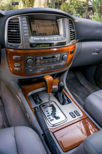 2006 Lexus LX 470 Reseda, CA 24