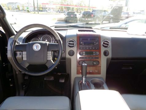 2006 Lincoln Mark LT  | Nashville, Tennessee | Auto Mart Used Cars Inc. in Nashville, Tennessee