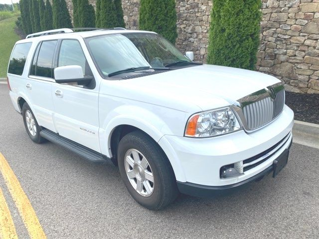2006 Lincoln Navigator in Knoxville, Tennessee 37920
