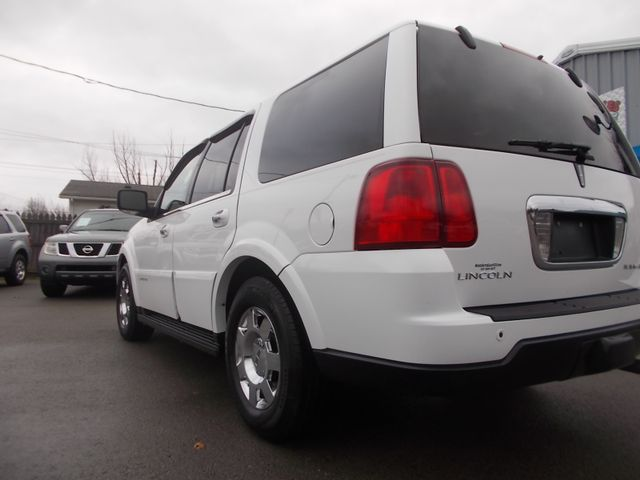 2006 Lincoln Navigator Ultimate Shelbyville, TN 3