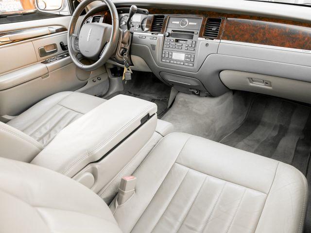2006 Lincoln Town Car Signature Burbank, CA 16