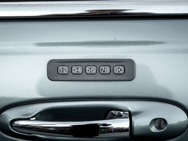 2006 Lincoln Town Car Signature Burbank, CA 23