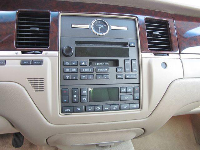 2006 Lincoln Town Car Signature in Medina, OHIO 44256