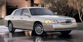 2006 Lincoln Town Car Signature in Tomball, TX 77375