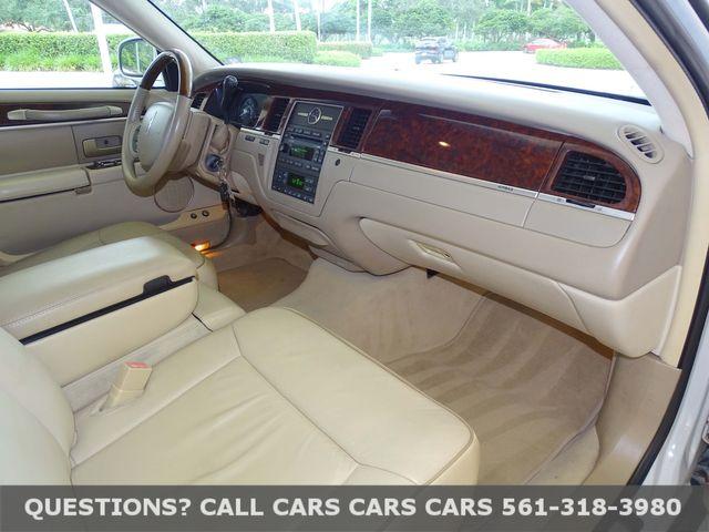 2006 Lincoln Town Car Designer Series in West Palm Beach, Florida 33411