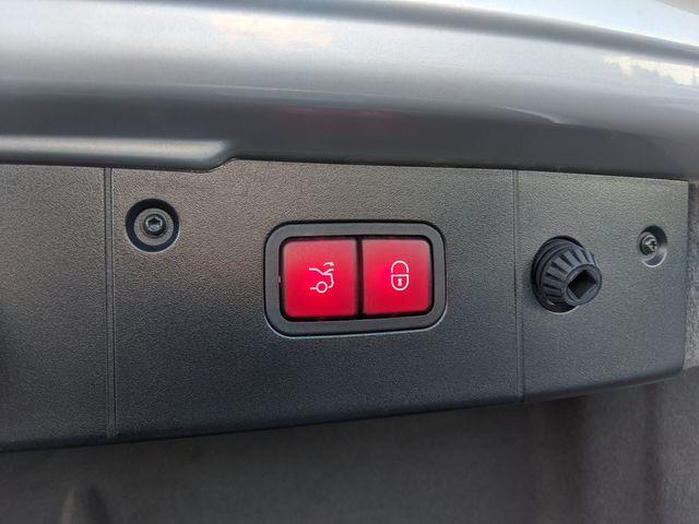 2006 Mercedes-Benz CLS500 ((**NAVIGATION & HEAT/COOLED SEATS**)) in Campbell, CA 95008