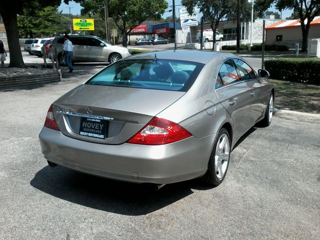 2006 Mercedes-Benz CLS500 San Antonio, Texas 3
