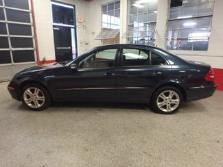 2006 Mercedes E350 4-Matic LUXURIOUS AND AFFORDABLE. Saint Louis Park, MN 8