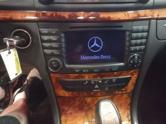 2006 Mercedes E350 4-Matic LUXURIOUS AND AFFORDABLE. Saint Louis Park, MN 4