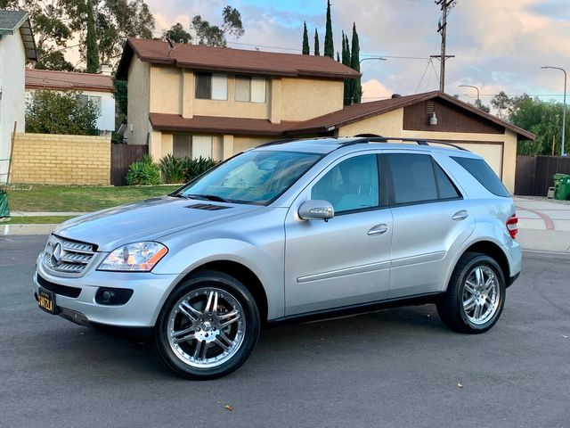 2006 Mercedes-Benz ML500 NAVIGATION XENON LEATHER SERVICE RECORDS in Van Nuys, CA 91406