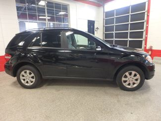 2006 Mercedes Ml350 4-Matic AWESOME SUV. FRESH TRADE-IN, SERVICE RECORDS. Saint Louis Park, MN 1