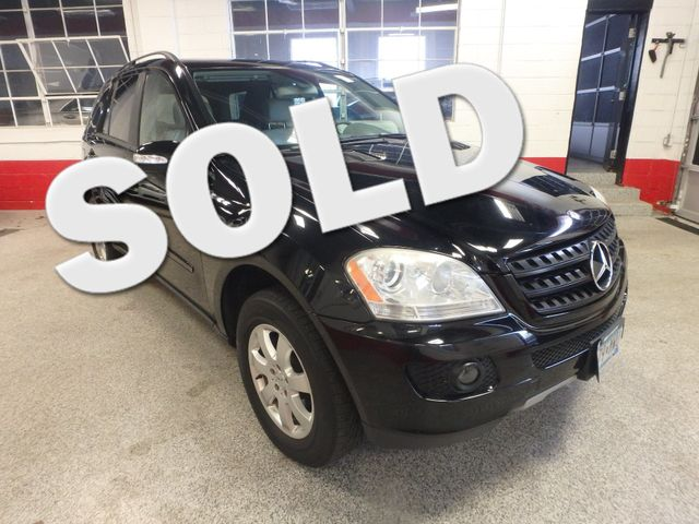 2006 Mercedes Ml350 4-Matic AWESOME SUV. FRESH TRADE-IN, SERVICE RECORDS. Saint Louis Park, MN