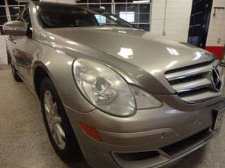 2006 Mercedes R350, 3.5l AWD, ROCK SOLID SPORT WAGON!~ Saint Louis Park, MN 18