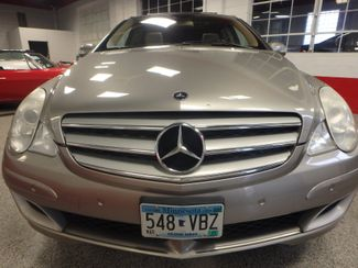 2006 Mercedes R350, 3.5l AWD, ROCK SOLID SPORT WAGON!~ Saint Louis Park, MN 19