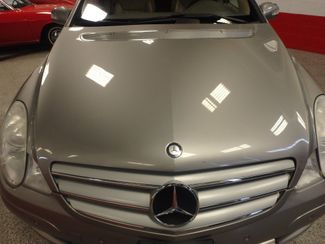 2006 Mercedes R350, 3.5l AWD, ROCK SOLID SPORT WAGON!~ Saint Louis Park, MN 26
