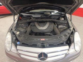 2006 Mercedes R350, 3.5l AWD, ROCK SOLID SPORT WAGON!~ Saint Louis Park, MN 27