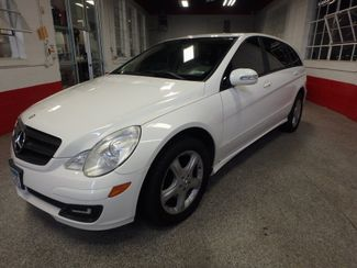 2006 Mercedes R350 4-Matic VERY SHARP, ROAD READY, WITH WARRANTY Saint Louis Park, MN 7