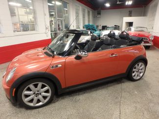 2006 Mini Convertible S! LOW MILE GEM,  CUSTOM FACTORY INTERIOR Saint Louis Park, MN 12