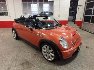 2006 Mini Convertible S! LOW MILE GEM,  CUSTOM FACTORY INTERIOR Saint Louis Park, MN 18